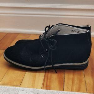 Unisex faux suede boots